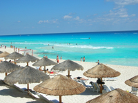Cancun beachgoers